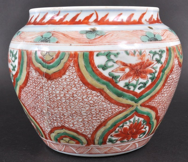 9:  A CHINESE MING DYNASTY TRANSITIONAL JARDINIERE pain