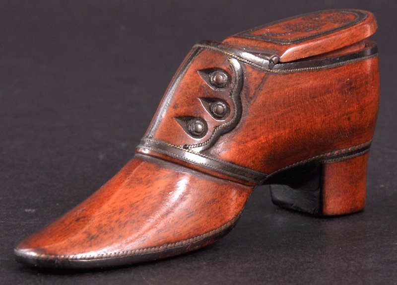 3: A RARE 19TH CENTURY TREEN SHOE SNUFF BOX with brass