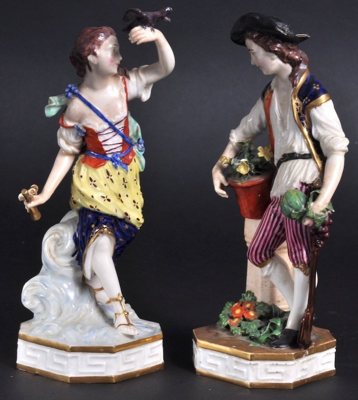 846: A PAIR OF DERBY FIGURES OF A GARDENER AND YOUNG LA