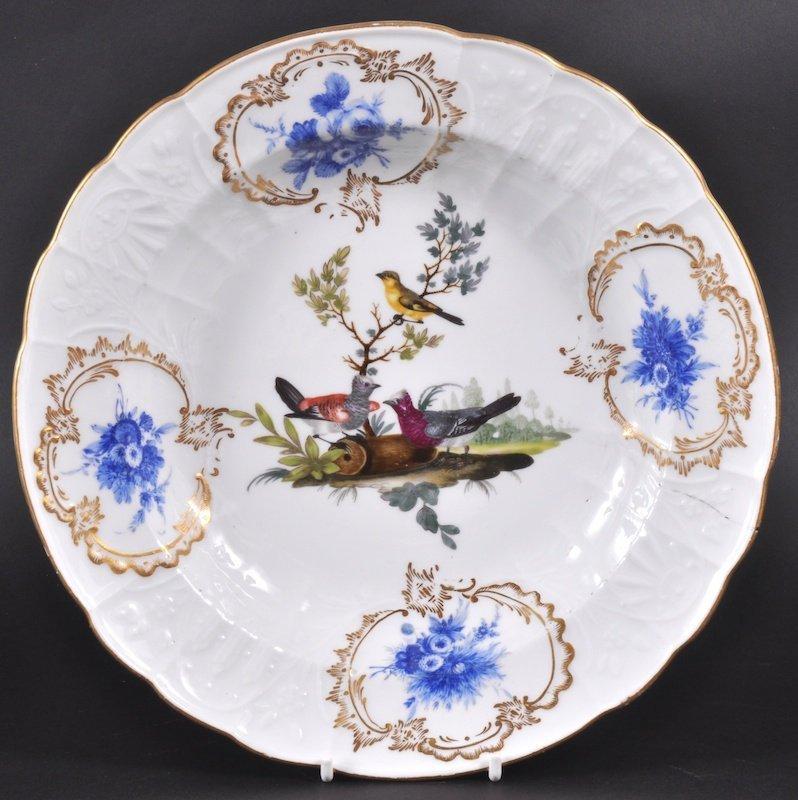 854: A MEISSEN CIRCULAR DEEP DISH painted with birds an
