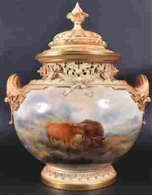 1059: A LARGE AND FINE ROYAL WORCESTER TWO HANDLED GLOB