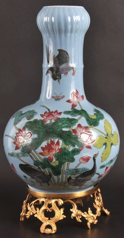 6:   AN EARLY 20TH CENTURY CHINESE PORCELAIN ENAMELLED
