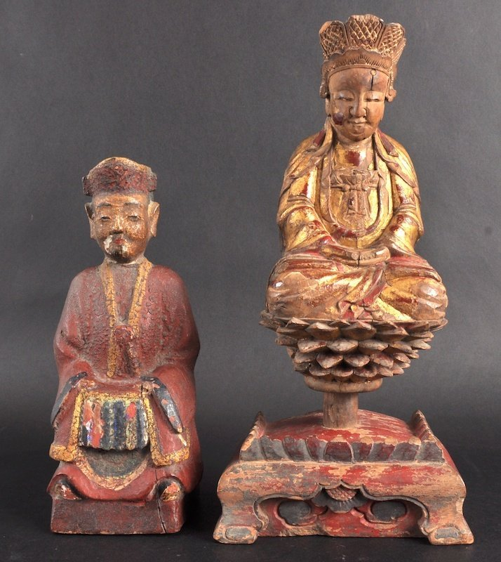13:   A 19TH CENTURY CHINESE LACQUERED GILTWOOD FIGURE