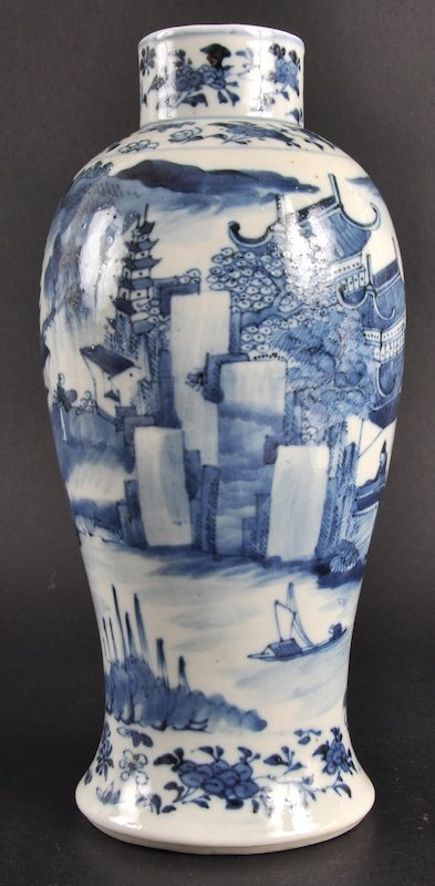 410:   A 19TH CENTURY CHINESE BLUE AND WHITE BALUSTER V