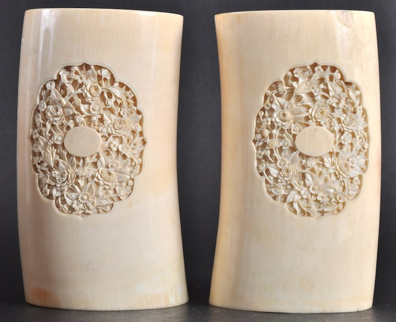 414:   A GOOD PAIR OF 19TH CENTURY CHINESE IVORY TUSKS