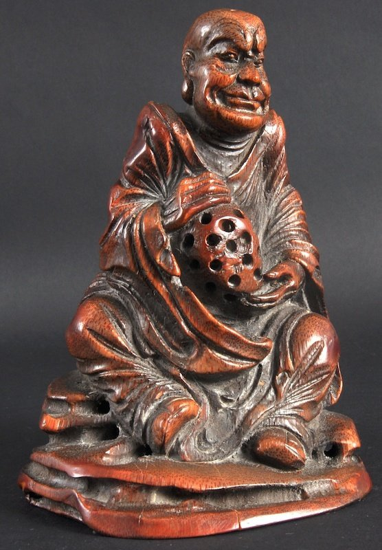 404: AN EARLY 20TH CENTURY CHINESE CARVED BAMBOO FIGURE
