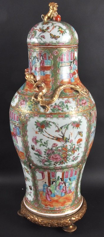 409:  A GOOD 19TH CENTURY CHINESE CANTON ENAMEL VASE AN
