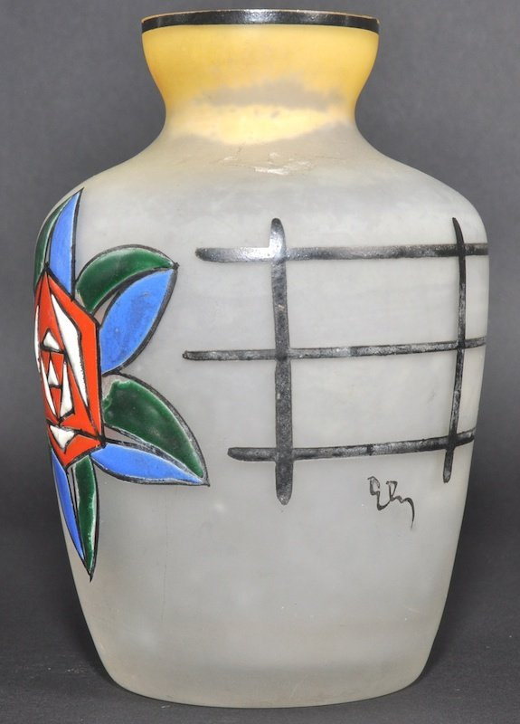 952: AN ART DECO FRENCH ENAMELLED FROSTED GLASS VASE de