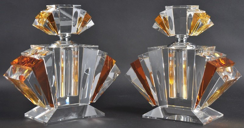 957: A PAIR OF ART DECO STYLE AMBER AND CLEAR GLASS SCE