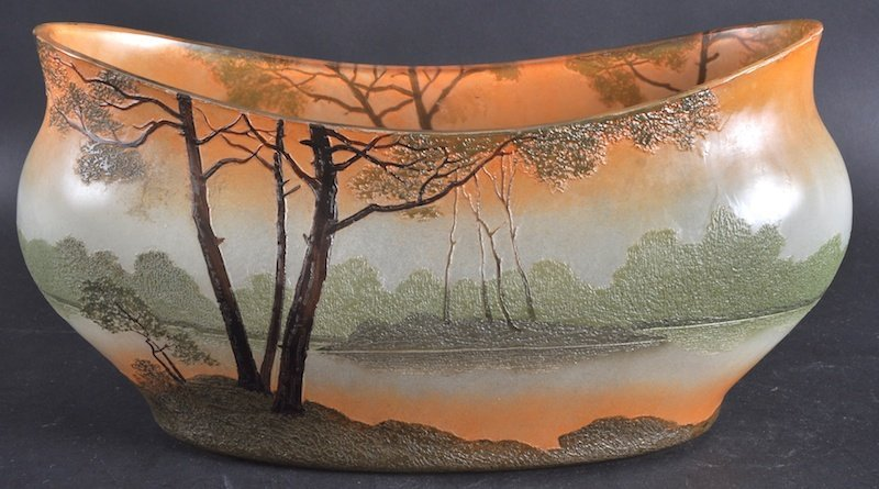 965: AN EARLY 20TH CENTURY FRENCH PAINTED GLASS DISH BY