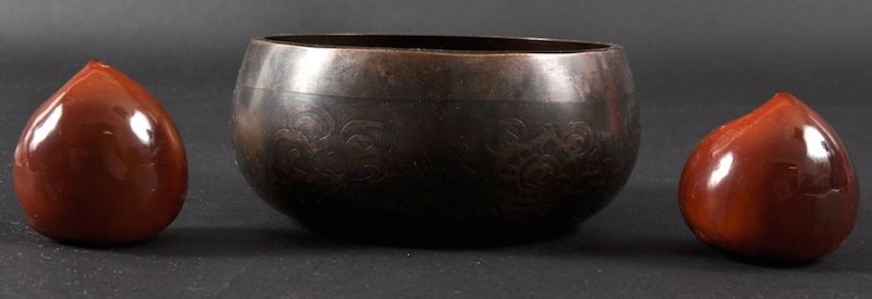653: A 19TH CENTURY CHINESE BRONZE CIRCULAR CENSER toge