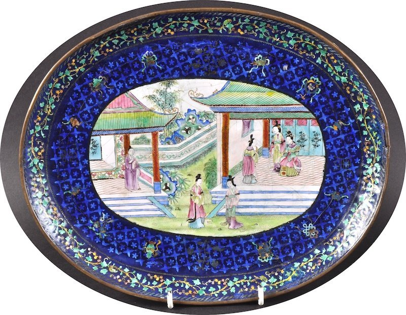 A 19TH CENTURY CHINESE CANTON ENAMEL OVAL DISH painted