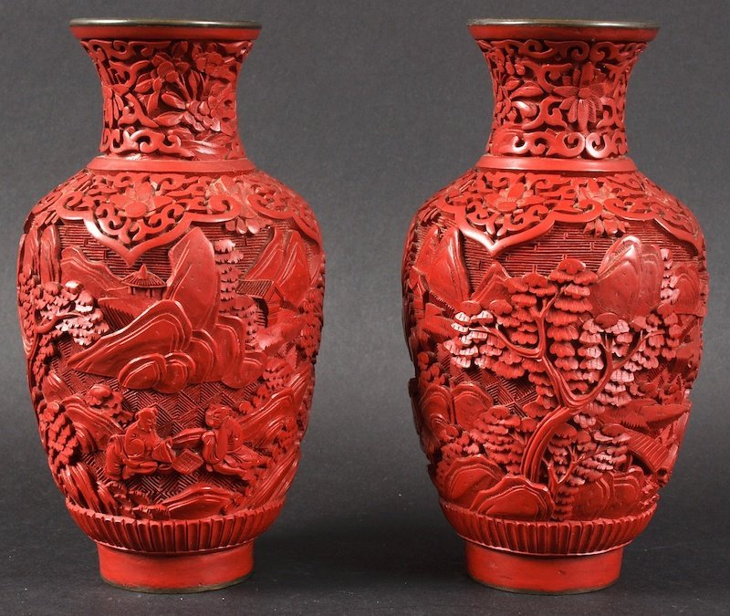 A PAIR OF 19TH CENTURY CHINESE CINNABAR LACQUER VASES c