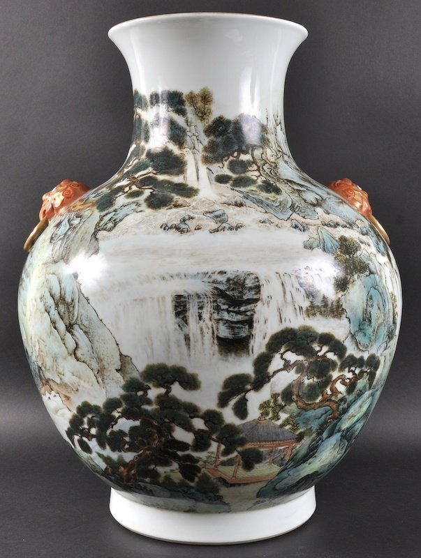 A LARGE CHINESE REPUBLICAN PERIOD BALUSTER PORCELAIN V