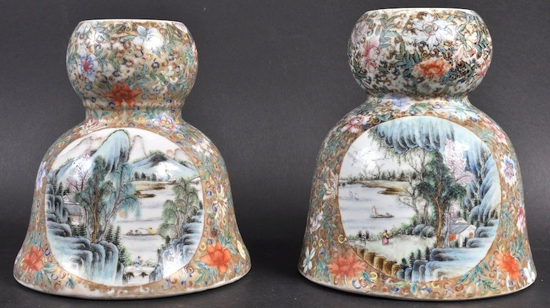 A NEAR PAIR OF CHINESE QING DYNASTY PORCELAIN INCENSE B