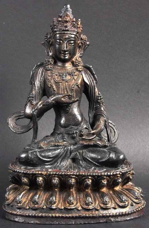 A LOVELY 18TH/19TH CENTURY CHINESE TIBETAN BRONZE FIGUR