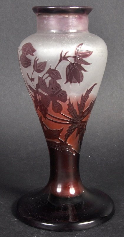 A SMALL GALLE CAMEO VASE.6.5ins high. Signed Galle Came