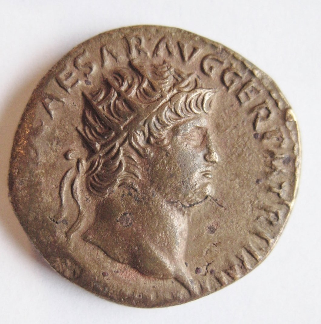 Nero (54-68), orichalcum dupondius, radiate head of Ner