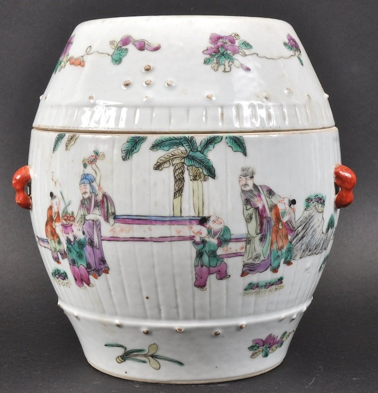 AN UNUSUAL 19TH CENTURY CHINESE PORCELAIN BARREL AND C