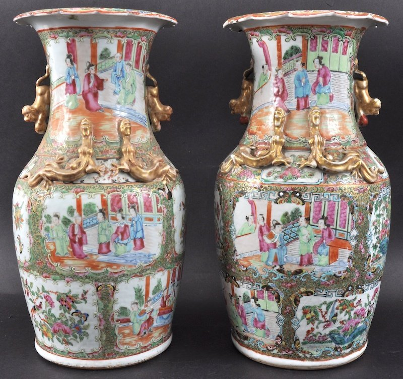 A PAIR OF 19TH CENTURY CHINESE CANTON FAMILLE ROSE VASE