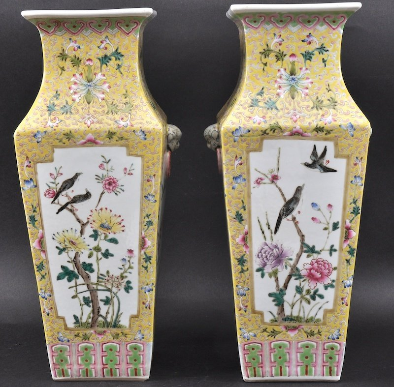 A GOOD PAIR OF 19TH CENTURY CHINESE SQUARE VASES Daogua