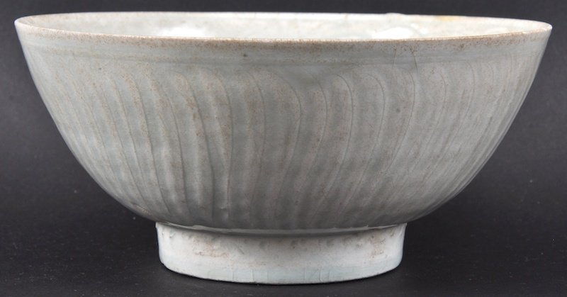 A CHINESE SUNG DYNSTY CIRCULAR FLARED BOWL 960 to 1279