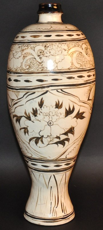 A CHINESE WHITE GLAZED BALUSTER VASE enamelled in brown