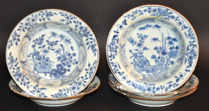 A SET OF FIVE EARLY 18TH CENTURY CHINESE EXPORT