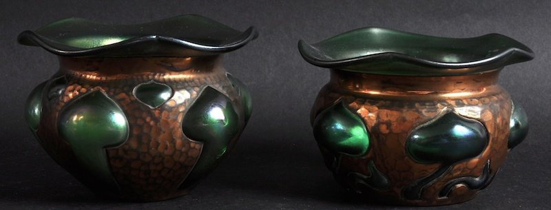 """A SMALL PAIR OF COBRA WARE """"LOETZ"""" STYLE BOWLS.  4ins d"""