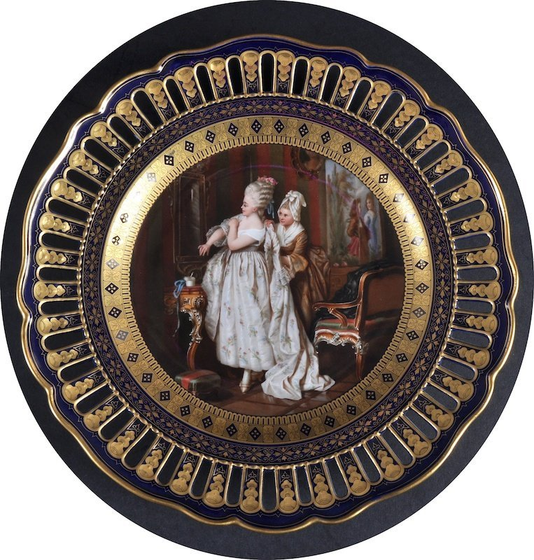 A GOOD 19TH CENTURY MEISSEN CIRCULAR CABINET PLATE with