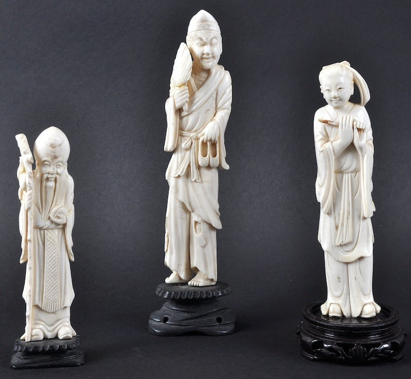 A LATE 19TH CENTURY CHINESE IVORY FIGURE OF A FEMALE