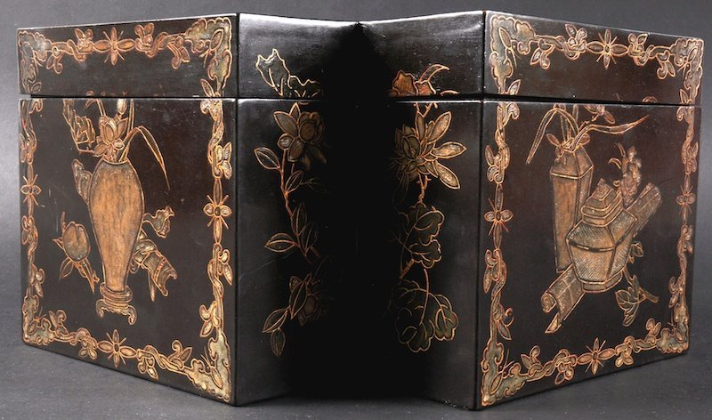 A LOVELY 18TH CENTURY CHINESE BLACK LACQUER TEA CADDY
