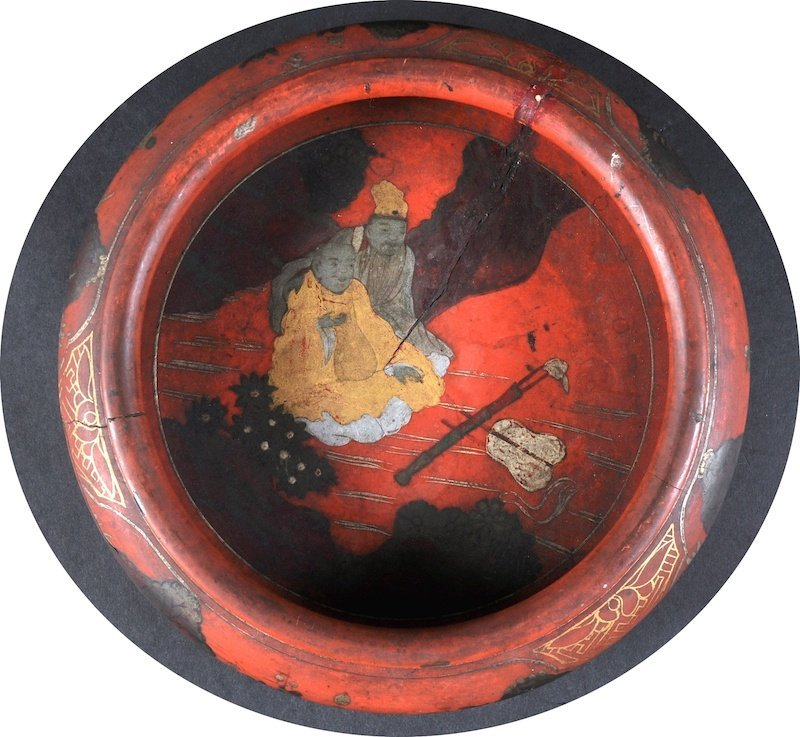 A GOOD CHINESE QING DYNASTY RED LACQUER CIRCULAR BOWL