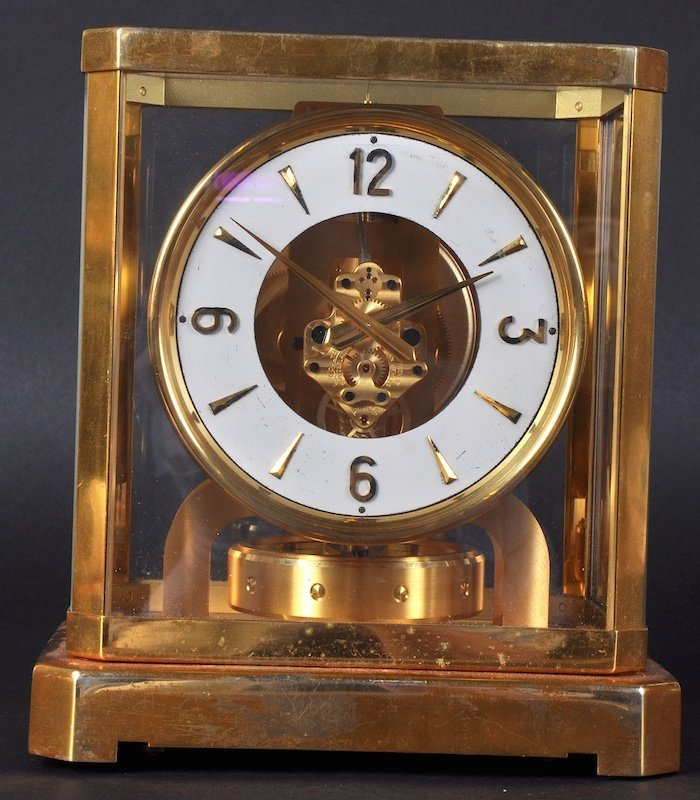 AN ATMOS CLOCK by LE COULTRE, no 31286. 9 inches high.