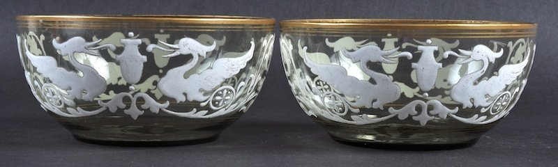 A PAIR OF GLASS CIRCULAR FINGER BOWLS, enamel