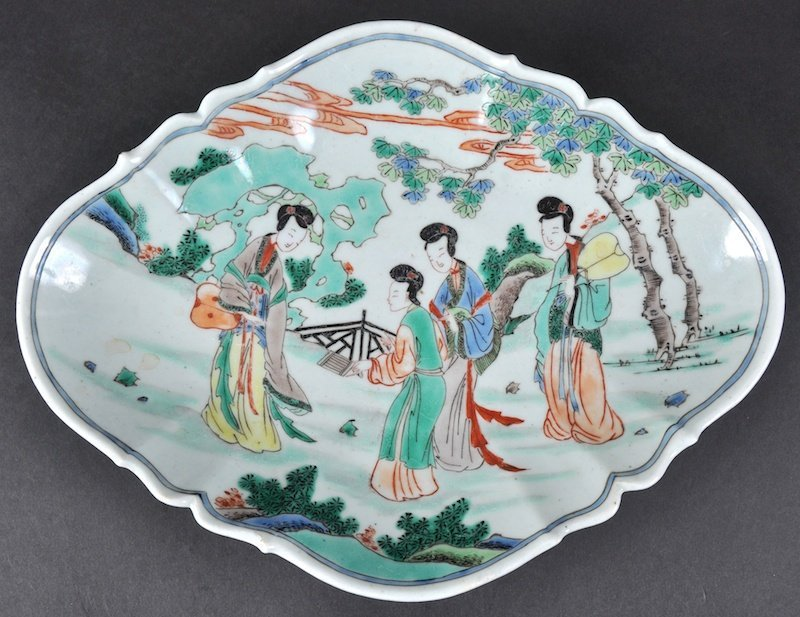 A CHINESE FAMILLE VERTE QUATREFOIL SHAPED DISH Kangxi
