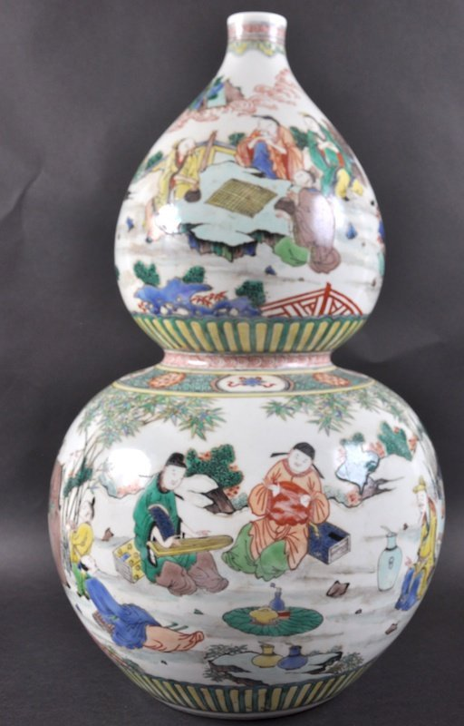 A CHINESE FAMILLE VERTE DOUBLE GOURD VASE Kangxi style,