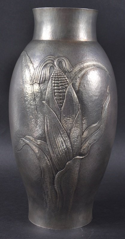 A LOVELY JAPANESE TAISHO-SHOWA PERIOD EMBOSSED SILVER