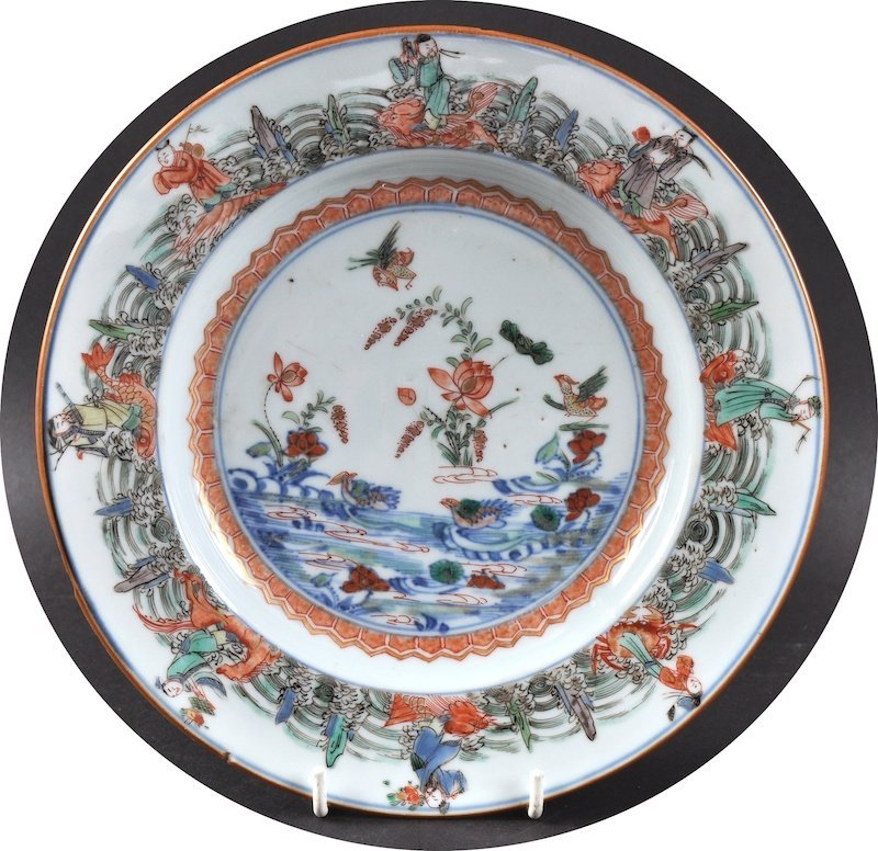 AN EARLY 18TH CENTURY CHINESE FAMILLE VERTE DOUCAI