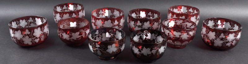A SET OF SIX VICTORIAN RUBY TINTED FINGER BOWLS