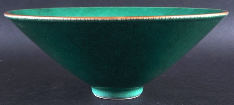 A 19TH CENTURY CHINESE GREEN GLAZED CONICAL PORCELAIN