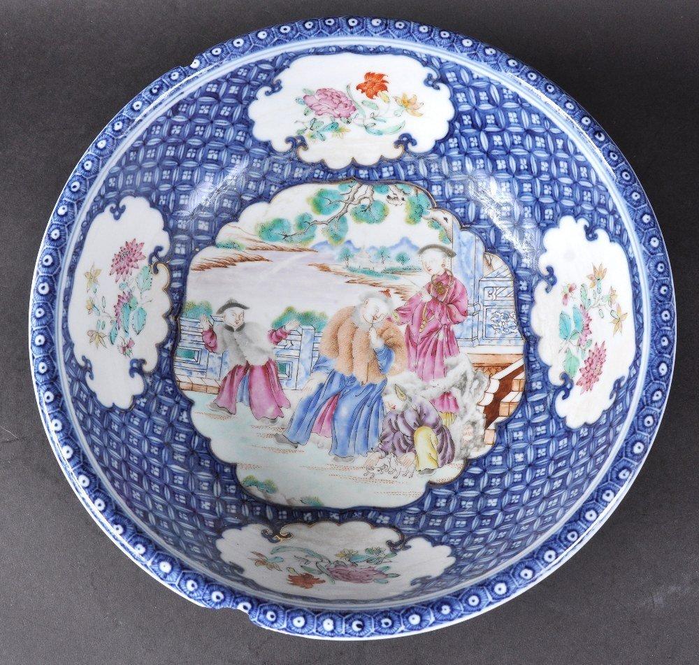 AN 18TH CENTURY CHINESE EXPORT MANDARIN CIRCULAR BASIN