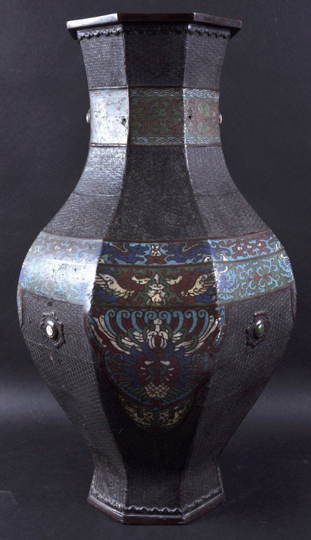 A LARGE 19TH CENTURY CHINESE BRONZE AND CLOISONNE