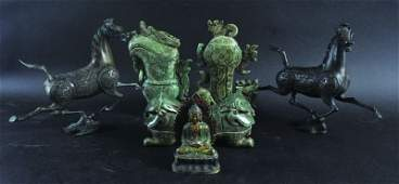 A PAIR OF 20TH CENTURY CHINESE BRONZE MODELS OF