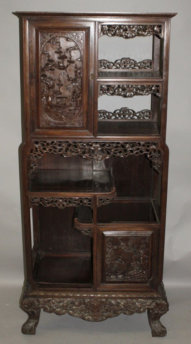 A TALL 19TH/20TH CENTURY CHINESE CARVED HARDWOOD