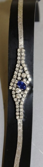 A Superb 18ct White Gold Diamond And Sapphire Set