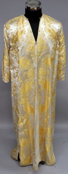 381. A Ladies Full Length Silk Coat.