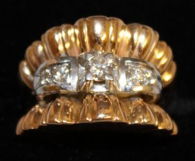 870. A Diamond Set Ring In 18ct Yellow Gold.