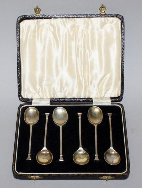 917. A Set Of Six Coffee Spoons, In A Fitted Case.