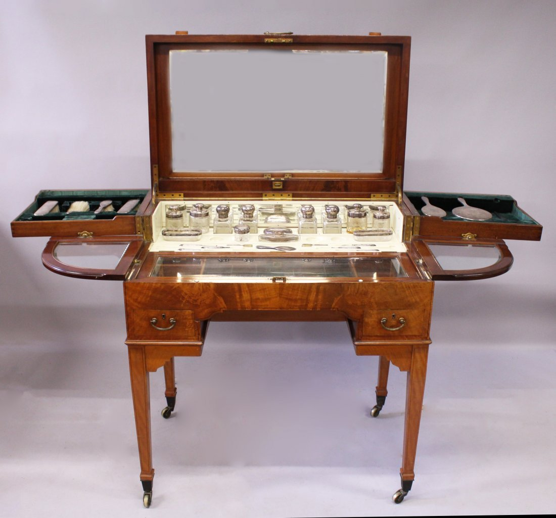 A LADIES EDWARDIAN SATINWOOD DRESSING TABLE SET, with